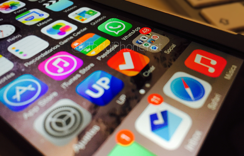 WhatsApp-iPhone-5s-iOS-8