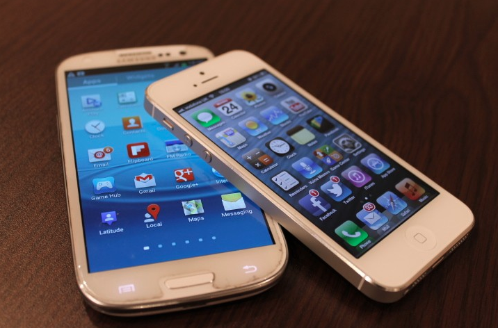 iPhone 5 - Galaxy S3